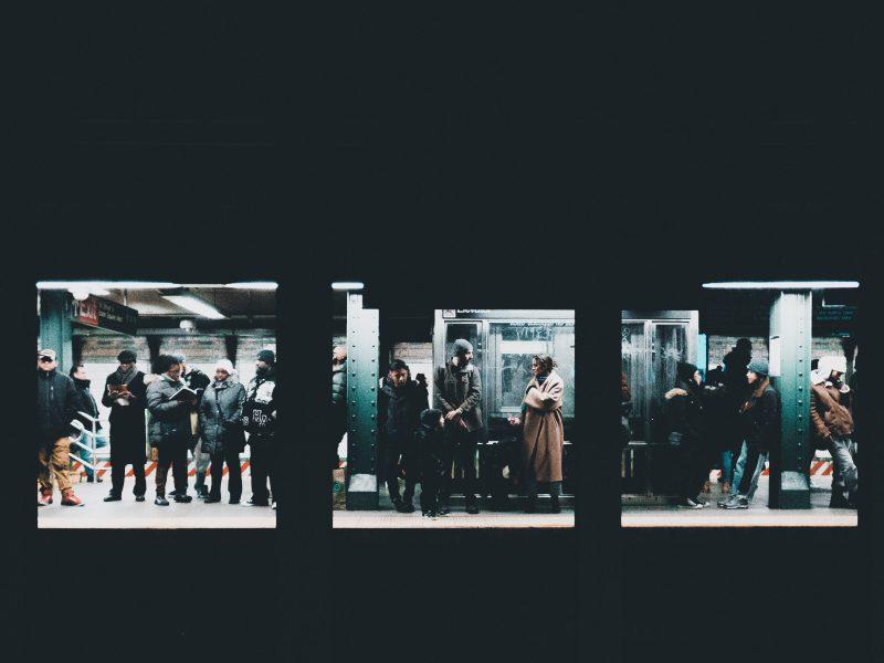 Bahnhof_Menschenmenge_U-bahn